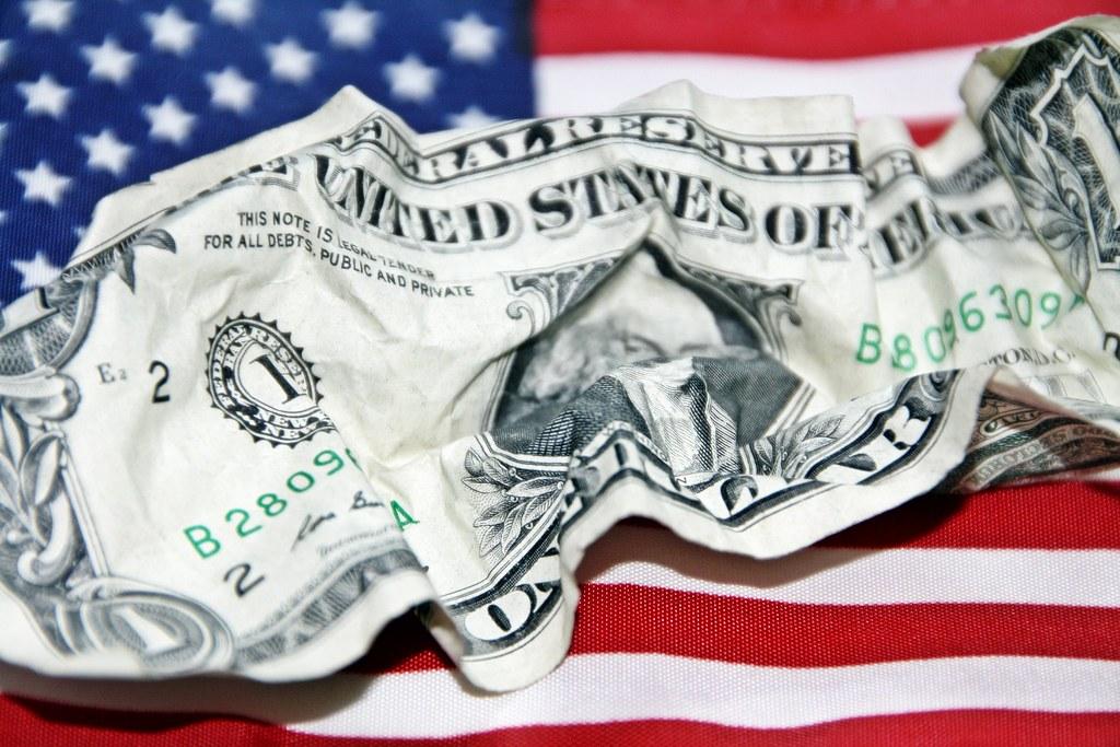 Не берут доллары и евро во вклад. Альтернативы